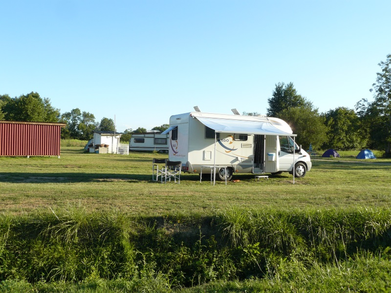 Aire camping-car à Lespielle (64350) - Photo 1